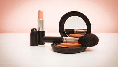 MATCHING YOUR LIPS TO YOUR BLUSH