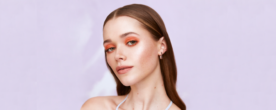 BOLD RUSH: ACHIEVE SPRING'S EYE-CATCHING MAKEUP LOOK IN FOUR STEPS